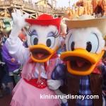 ウエスタンランドに登場するドナルド&デイジーは大人気!