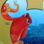 まるで海の中!期間限定ラッピングモノレール「ニモ&フレンズ・ライナー」