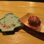 クリスマスツリー型スーベニアプレート付き!両パークで購入できる「チョコレート&コーヒームースケーキ」【ディズニークリスマス2017】