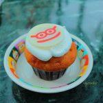 【ピクサープレイタイム】ランドールお手製!「ランドール・ボッグスのカップケーキ」スーベニアプレート付き