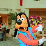 グーフィーと朝の太極拳!香港ディズニーランドホテル「Tai chi with Master Goofy」