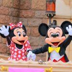 ミッキーとミニーがお出迎え!東京ディズニーランド「ウェルカムグリーティング」