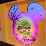 妖しげなハロウィーンの雰囲気!ディズニーリゾートライン「ディズニー・ハロウィーン・ライナー」