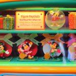 【ディズニークリスマス2018】歴代のクリスマスコスチューム!ミッキーのフィギュアキーチェーン4種類