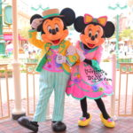 【香港ディズニーランド】春のコスチューム!一番並ぶ、ミッキー&ミニーとグリーティング